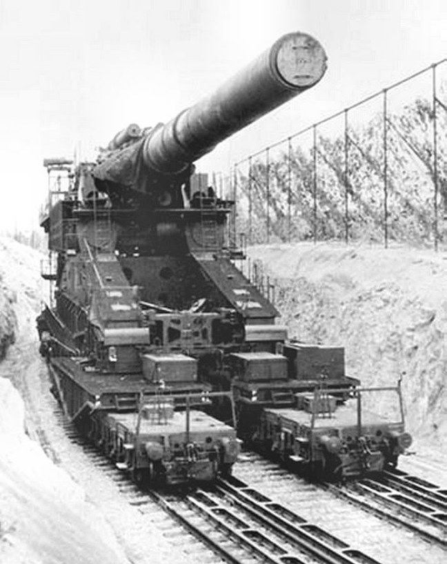 'SCHWERER GUSTAV' 800mm gun used on the Russian front. 1941-45. Twin of 'DORA'. Used at Sevastopol