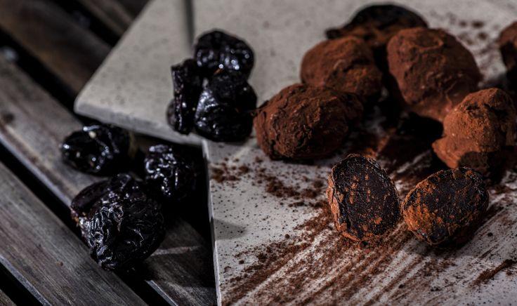 Δαμάσκηνα ( Prunes ) filled with chocolate and cacao dusted. Afoi Asimakopouloi, Athens http://asimakopouloi.com/