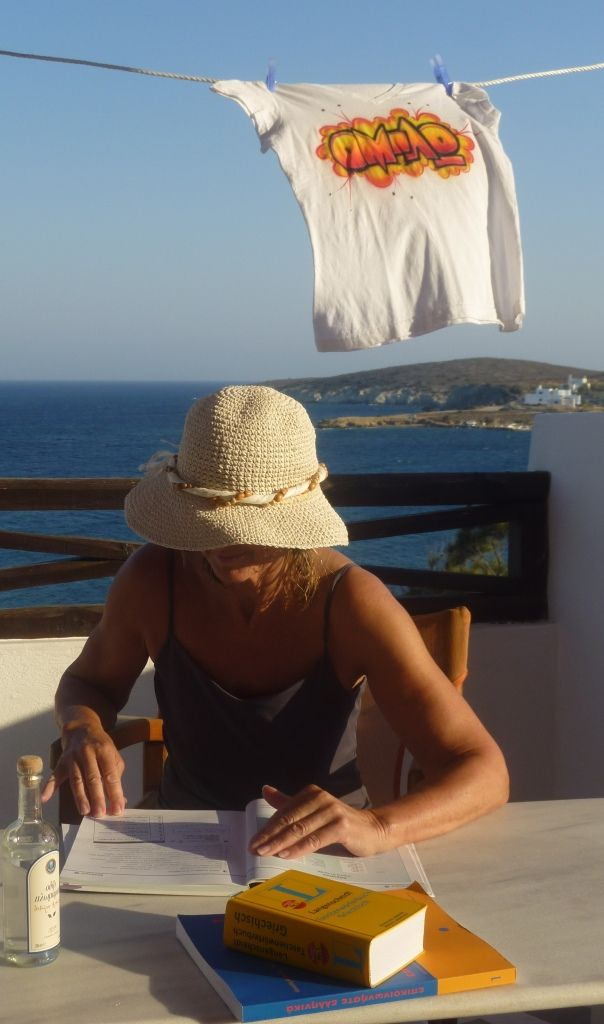 #OMILO student in #Syros, #Azolimnos. After the Greek lessons, some homework in the Pension!  http://www.omilo.com/syros/