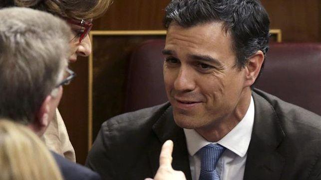 Pedro Sánchez vota por error a favor de la reforma del aborto del PP