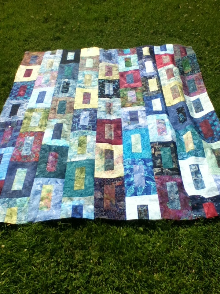 Easy Quilt Patterns For Graduation : 26 best images about Jelly roll quilts on Pinterest Quilt, Watch this video and Squares