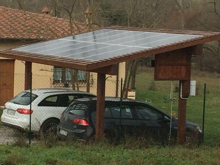 pannelli solari su posto auto coperto
