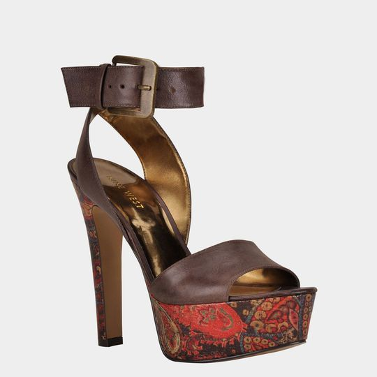 http://mex.privalia.com/front/get/photo/80281_-_images_-_products_-_NWARCHAVIA-BROWN-LEATHER_-_templ1.jpg