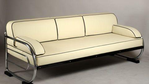 Sofa - firma Hynek Gottwald, 1920 - 1930,  Funkcionalismus, vyrobeno v ČR, konstrukce z ohýbaných chromovaných trubek + nově čalouněno pravou kůží za použití původní technologie