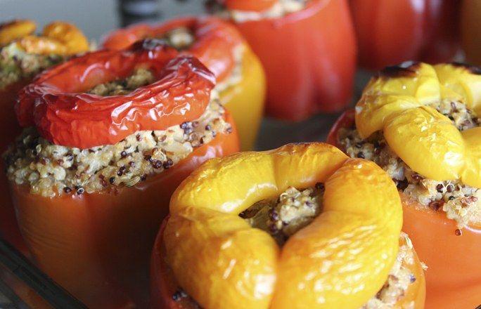 Pimientos rellenos de quinoa - Recetas con quinoa: la beneficiosa semilla de moda - enfemenino