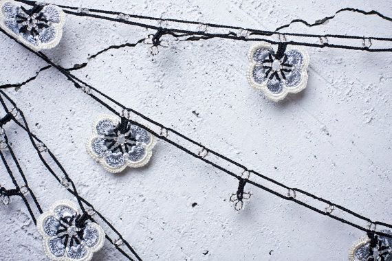 turkish lace - needle lace - crochet - oya necklace, this picture gave me the idea of making crochet flowers to go around the bulbs of Christmas lights.