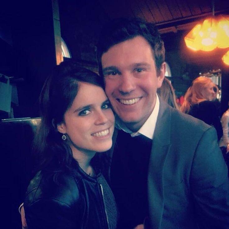 Nouveau mariage princier à la cour d'Angleterre ! Eugenie dira oui à Jack Brooksbank à l'automne prochain. ❤️ #congrats  @placeroyale