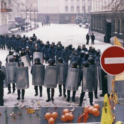 """В какой из стран постсоветского пространства была """"джинсовая революция""""? в Белоруссии."""