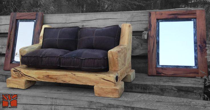 Nativo Redwood. Sillón doble de ciprés rústico con cojines de cuero color café oscuro, rellenos con pluma y costuras color beige. Dimensiones: 1.00x1.50