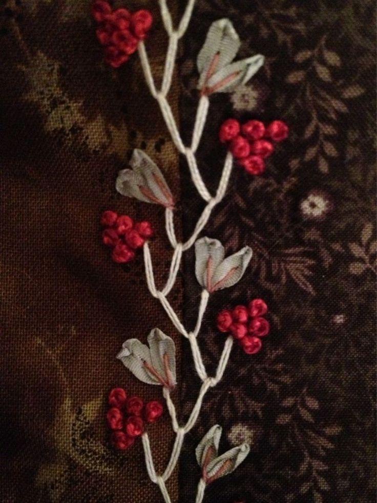 I ❤ ribbon embroidery . . . Needles, fabrics, ribbons . . .  ~By patchnath blog