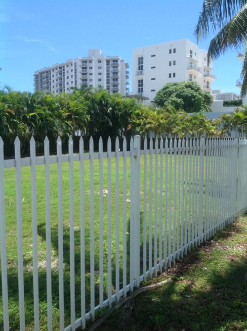 There are still some empty lots on South Beach...
