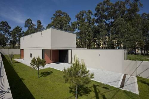 Casa em Lourosa / Nuno Brandão Costa