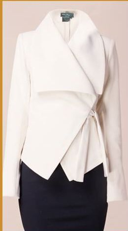 This gorgeous jacket immediately brings Olivia Pope (of Scandal fame lol) to mind. Definitely on my style icons board. She is ALWAYS en pointe.[ AlbertoFermaniUSA.com ] #winter #fashion #style