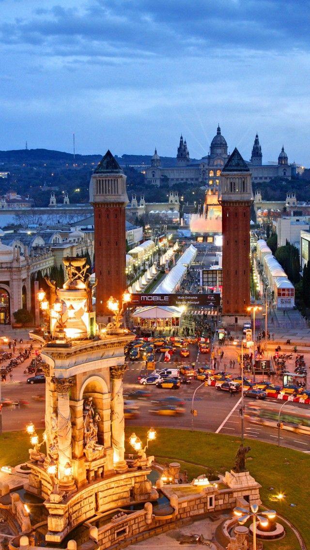 Plaça Espanya @ Barcelona, Cataluña, al fondo podemos ver el parque ferial, la fuente de Mont Juic y el MNAC. Esta foto está tomada desde el CC Arenas, desde el mirador.