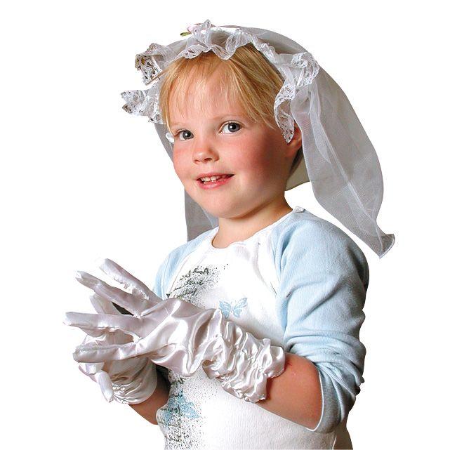 Daar komt de bruid! De kanten bruidssluier zit aan een haarband en is dus makkelijk te dragen. Afmeting: lengte sluier ca 28 cm - Bruidssluier