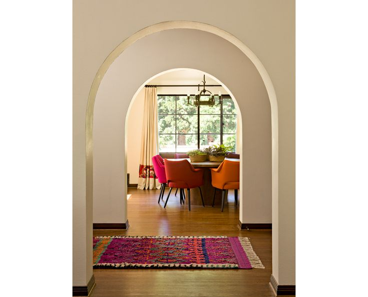 jessica helgerson interior design: Dining Rooms, Bright Color, Pop Of Color, Dining Chairs, Arches, Interiors Design, Mediterranean Home, White Wall, White Brick
