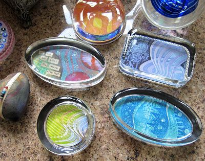 DIY Gelli® Print Glass Paperweights!  Easy, DIY gift giving project for all occasions! #fathersdaygifts  #graduationgifts #hostessgifts