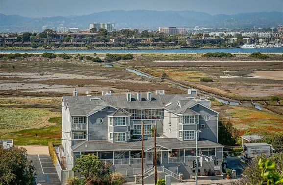 Inn At Playa Del Rey in Los Angeles, California | B&B Rental