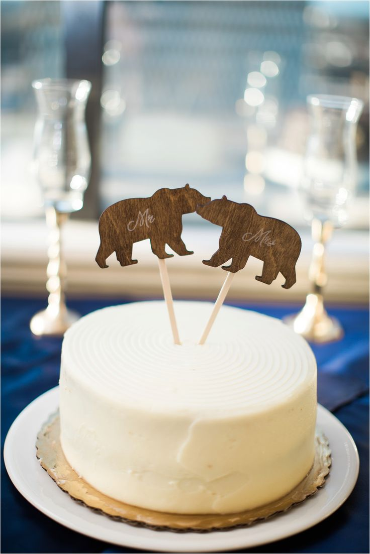 Cute bear Mr. and Mrs. cake toppers and sweet potato cake from Brick Street Cafe. YUM. I love understated wedding cakes, especially when they taste this good.