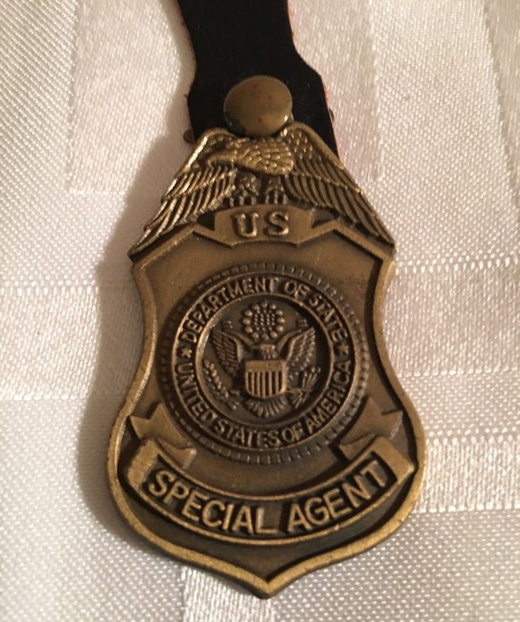 Special Agent, Diplomatic Security Service (Pocket Fob, 'Diplomatic Security Service' on buck)