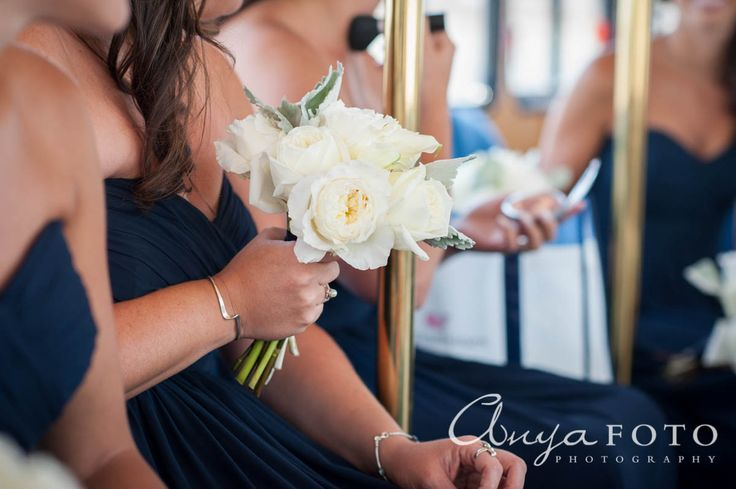 anyafoto.com, wedding bouquet, bridal bouquet, white bouquet, white roses, blush roses, rose bouquet