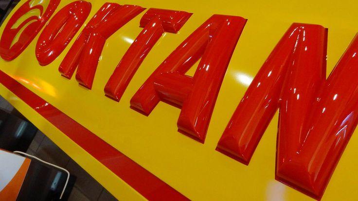 Litery 3d, 3d letters, 3D lettering, 3D letters vacuum moulding, litery 3d podświetlane, illuminated letters, producent reklam, Graffico