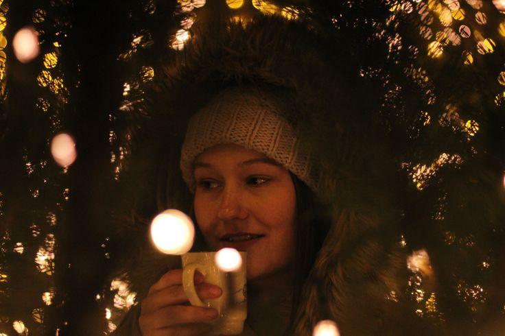 (Foto:© Diana Warkentin) Advent, Advent, ein Lichtlein brennt. Der Dezember ist da und mit ihm der Schnee, die Hektik und die wohlriechenden Düfte. Ist das nicht die beste Einstimmung auf die stre…