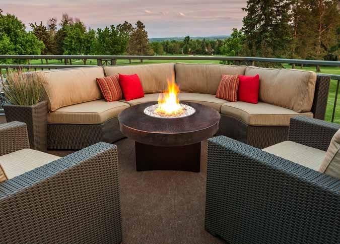Meubles de jardin Ogni et foyer au gaz propane par DesigningFire / Outdoor furniture by Ogni and fire pit by DesigningFire  http://www.palason.ca/categorie/49-meubles-de-jardin.html