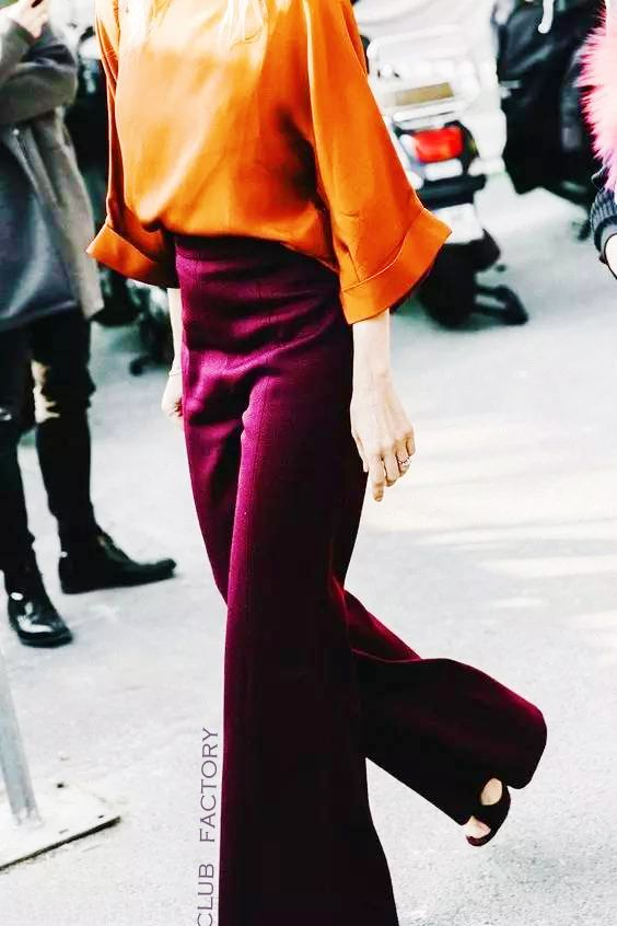 Revive your autumn look with orange and wine. ❤