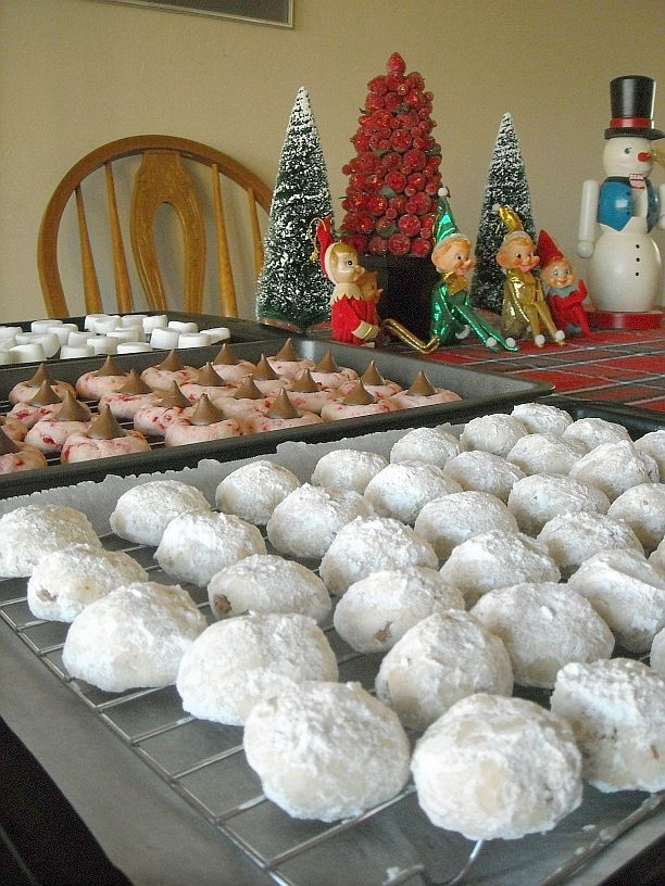 Mexican Wedding Cookies and a Cookie Exchange | Flour On My Face