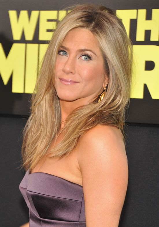 Jennifer Aniston Makeup | Meet the Millers Premiere