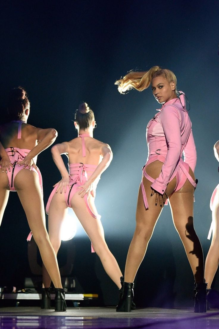 Beyoncé at The Tidal X 1020 Amplified by HTC at Barclays Center of Brooklyn on October 20, 2015 in New York City. Performing with Nicki Minaj