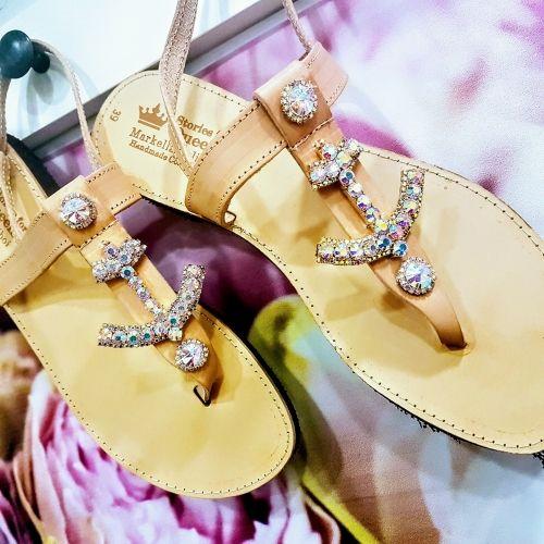 Χειροποίητα σανδάλια από γνήσιο δέρμα στολισμένα με άγκυρα από strass  Βρείτε το στο παρακάτω σύνδεσμο: http://handmadecollectionqueens.com/γυναικεια-σανδαλια-απο-δερμα-στολισμενα-με-αγκυρα-απο-strass  #handmade #fashion #sandals #women #summer #footwear #storiesforqueens #χειροποιητο #μοδα #σανδαλια #γυναικα #καλοκαιρι #υποδηματα