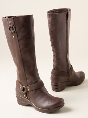 We're wild about these Vegan Boots for fall!   Sahalie.com #Boots #Vegan
