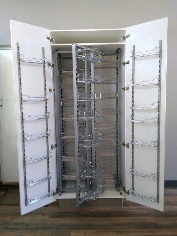 Pullout pantry unit