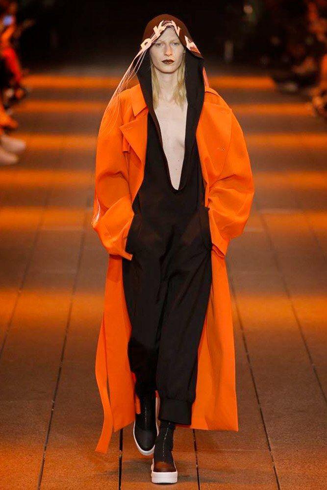DKNY Spring 2017 Ready-to-Wear Fashion Show