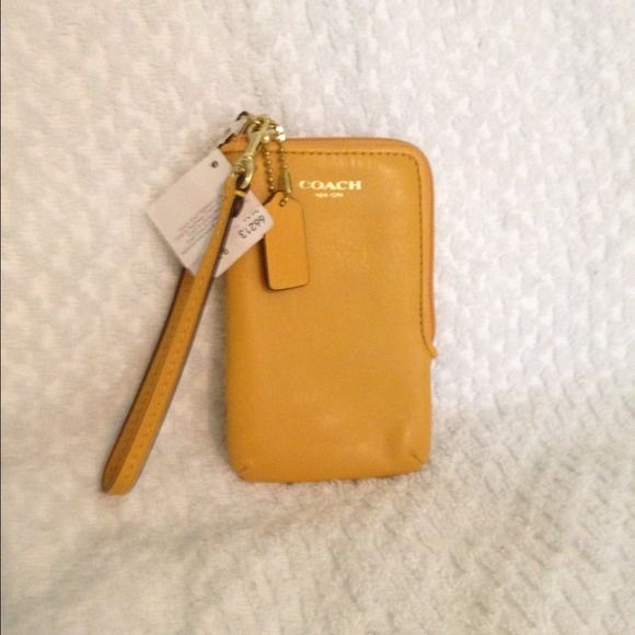 Coach wristlet phone case wallet New coach wristlet! Hold phone, credit cards, ID and more! Coach Bags Wallets