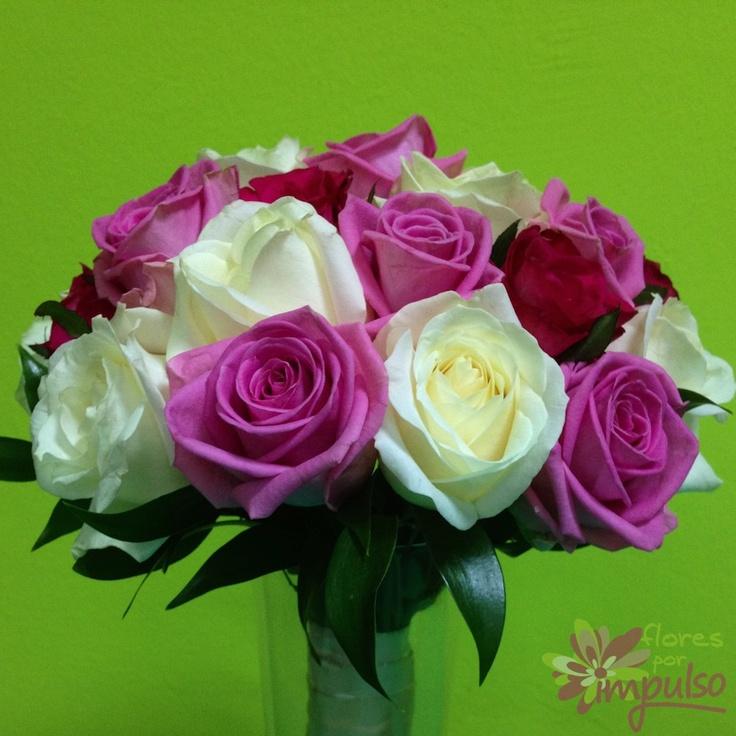 Ramo de novia de rosas blancas y rosas