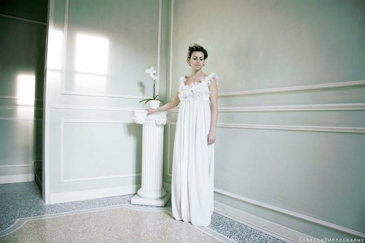 """RAIN OF BOWS"" - empire style bridal dress"