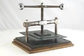 Risultati immagini per pressa da stampa in legno