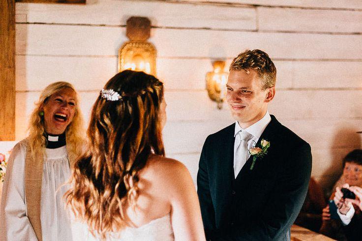 Bröllopslöften, bönen, ringbyte, vigsel, vigselceremoni, kyrkligt bröllop, ringar, kyrka