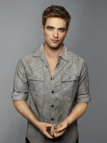 Robert Pattinson. Clean, he's hot.