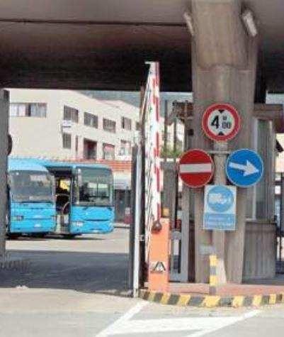 Liguria: #Piano #salva #Tpl meno bus e più attese: tagli alle corse per 181 mila chilometri (link: http://ift.tt/2kMwi0v )