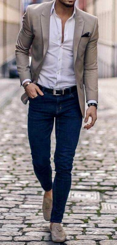 ea9ae53cf7f Men s fall fashion. Blue jeans with white shirt and blazer