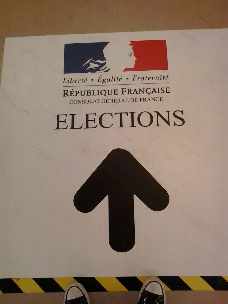 Dia de votaciones en el Consulado de Francia