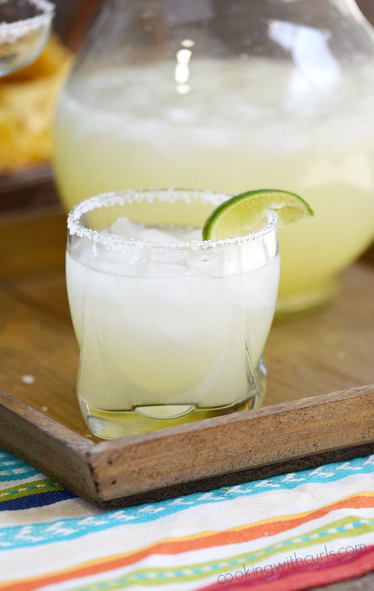 Every fiesta needs a big Pitcher of Margaritas, right | cookingwithcurls.com