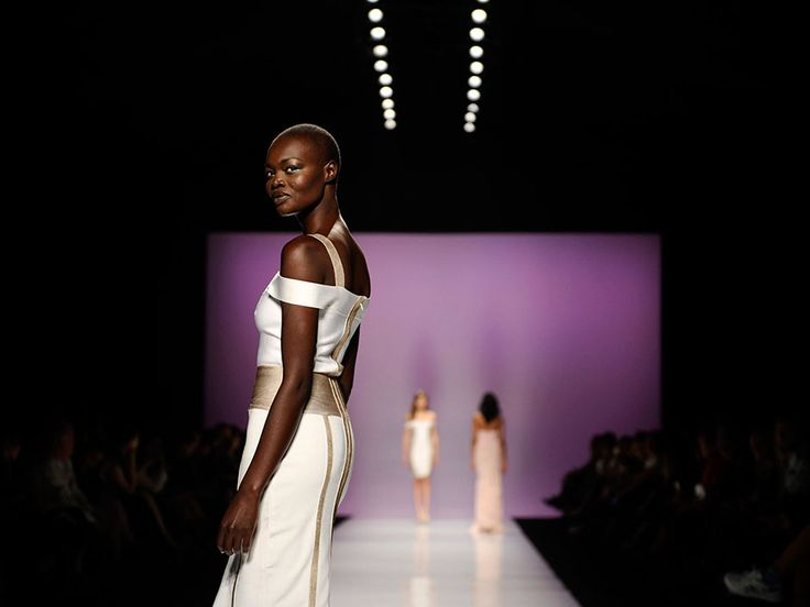 Elegant eveningwear, luxe leather and a Twister Sister on Day 3 of Toronto Fashion Week