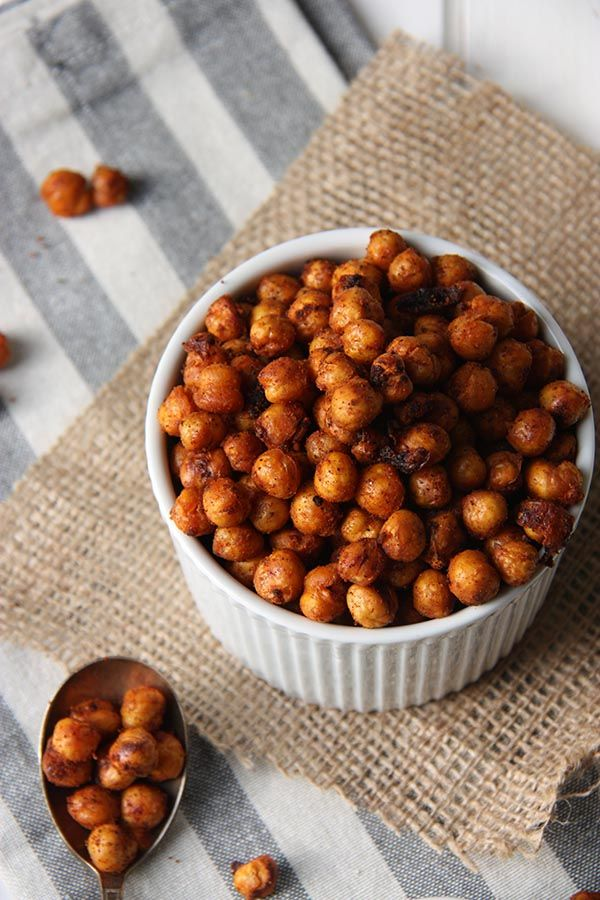 These harissa roasted chickpeas are the perfect snack for when you're lookin…   – Vegetarian