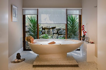 Some days you just want to soak in a tub and be pampered to the max.  Peppers Ruffles Lodge & Day Spa in the Gold Coast hinterland is on the list.