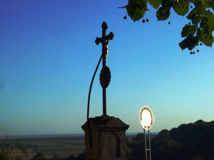 Cross Up of the country in village vysoké (by Mělník, central Bohemia)